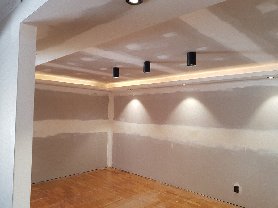Turned-this-room-from-plain-square-room-to-feature-dining-area-with-nooks-20181220_16521106.jpg